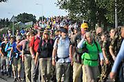 Nederland, Nijmegen, 19-7-2011Op de Wedren startten om 4 uur de eerste lopers van de 4daagse voor een tocht door de Betuwe. de foto is genomen tussen Bemmel en Elst.Foto: Flip Franssen