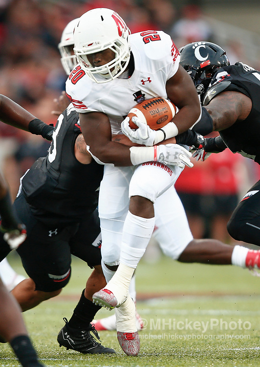 CINCINNATI, OH - AUGUST 31: Prince Momodu #20 of the Austin Peay Governors runs the ball against the Cincinnati Bearcats at Nippert Stadium on August 31, 2017 in Cincinnati, Ohio. (Photo by Michael Hickey/Getty Images)  *** Local Caption *** Prince Momodu