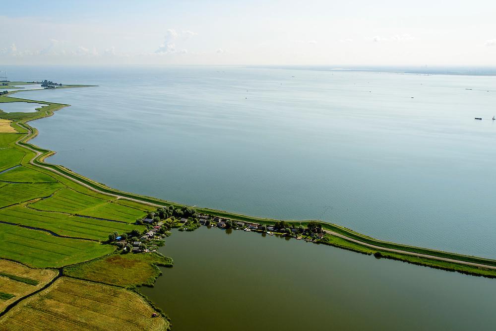 Nederland, Noord-Holland, Amsterdam, 05-08-2014; Waterland met Waterlandse Zeedijk (Uitdammerdijk) ter hoogte van Kinselmeer. Zicht op IJsselmeer.<br /> Waterland with (former) seawalll, near Amsterdam. IJssel lake.<br /> luchtfoto (toeslag op standard tarieven);<br /> aerial photo (additional fee required);<br /> copyright foto/photo Siebe Swart