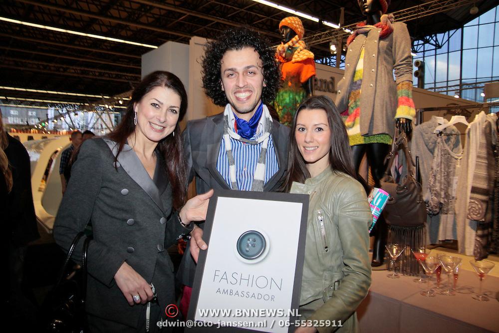 NLD/Amsterdam/20110124 - Josh V VIP Launch Modefabriek RAI,  Euvgenia Parakhina,Sepehr Maghsoudi en Danielle van Aalderen met de Fashion Ambassador Award
