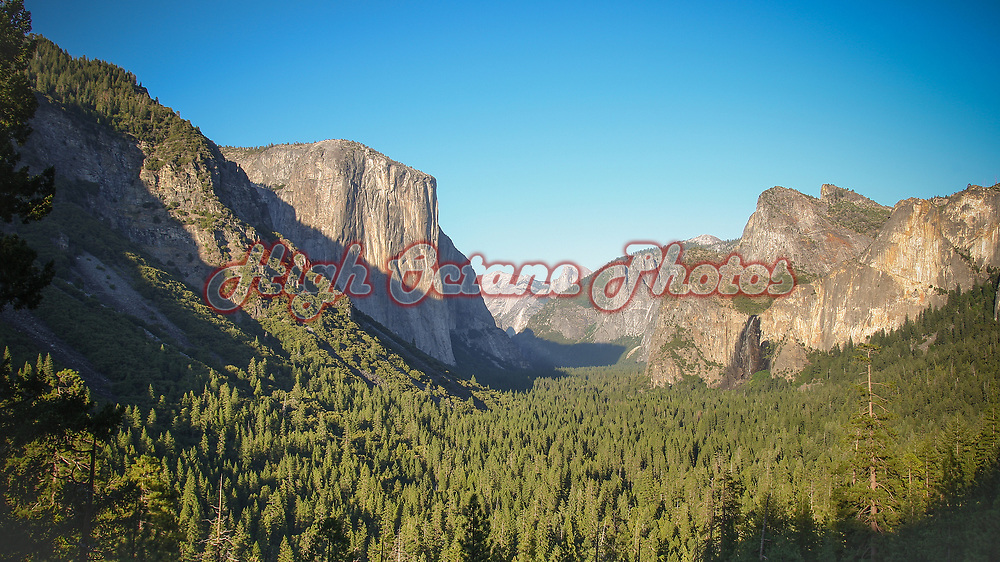 The Yosemite Valley Floor, as seen from the Tunnel View lookout.