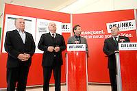 """27 MAR 2007, BERLIN/GERMANY:<br /> Lothar Bisky, MdB, Bundesvorsitzender Linkspartei.PDS, Oskar Lafontaine, WASG, Die Linke Fraktionsvorsitzender, Klaus Ernst, WASG, Die Linke Stellv. Fraktionsvorsitzender, Gregor Gysi, Linkspartei.PDS, Die Linke Fraktionsvorsitzender, geben eine Statement zu Ihrer folgenden Unterschirft der Erklaerung der SPD """"Politik fuer gute Arbeit - Deutschland braucht Mindestloehne"""", vor den Fraktionsraeumen der PDS, Fraktionsebene, Deutscher Bundestag<br /> IMAGE: 20070327-01-001"""