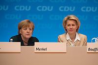 09 DEC 2014, KOELN/GERMANY:<br /> Angela merkel (L), CDU, Bundeskanzlerin, und Ursula von der Leyen (R), CDU, Bundesverteidigungsministerin, CDU Bundesparteitag, Messe Koeln<br /> IMAGE: 20141209-01-121<br /> KEYWORDS: Party Congress