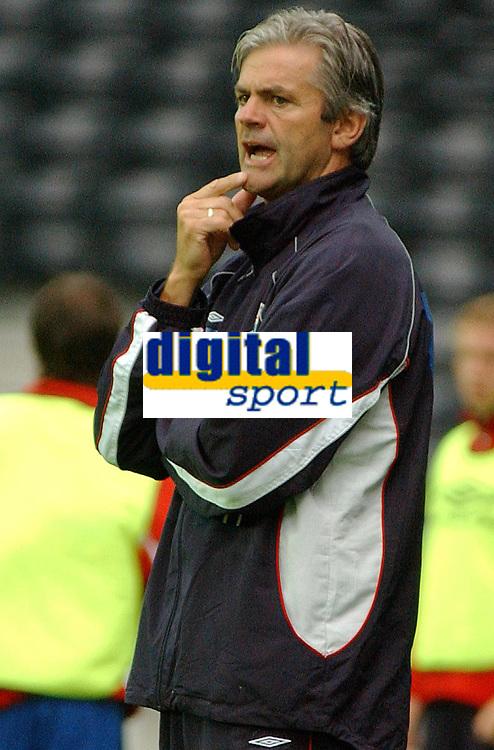Fotball, 23. juli 2003, NM, If-cup, Rosenborg - Lyn 5-0, Teitur Thordarson, trener, Lyn<br />Foto: Carl-Eri k Eriksson, Digitalsport