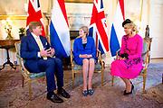 Staatsbezoek van Koning Willem Alexander en Koningin Máxima aan het Verenigd Koninkrijk<br /> <br /> Statevisit of King Willem Alexander and Queen Maxima to the United Kingdom<br /> <br /> Op de foto / On the photo: Koning Willem Alexander , Koningin Maxima hebben een ontmoeting met de premier met Theresa May Downing Street 10<br /> <br /> King Willem Alexander, Queen Maxima met with the Prime Minister with Theresa May Downing Street 10
