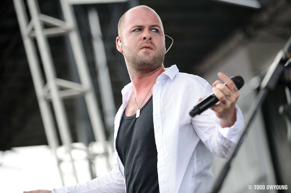 Hurt performing at Pointfest at Verizon Wireless Amphitheater in St. Louis on August 20, 2011. © Todd Owyoung.