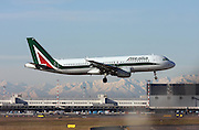 Alitalia, Airbus A320-216