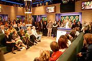 Uitreiking van de Nipkowschijf 2007 in de plantage amsterdam:<br /> <br /> Op de foto: winnaars van de Zilveren Pricett voor de website van Tegenlicht Uitreiking van de Nipkowschijf 2007 in de plantage amsterdam:<br /> <br /> Op de foto: Alle winnaars op een rij Sunny Bergman , Rob Hof , Kees Vlaardingenbroek , Ellen Blazer en Sonja Barend