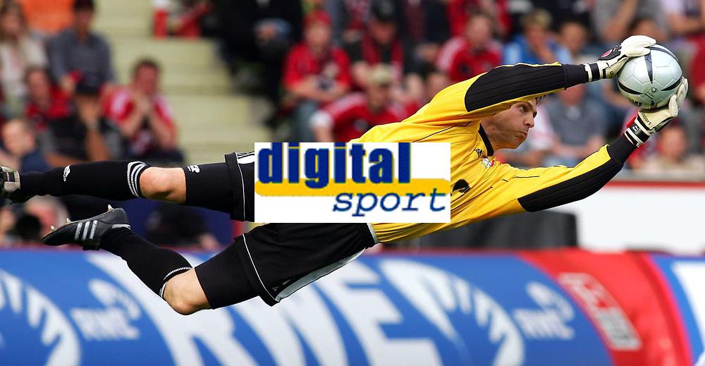 Fotball<br /> Bundesliga Tyskland 2004/05<br /> Bayer 04 Leverkusen v Werder Bremen<br /> 24. april 2005<br /> Foto: Digitalsport<br /> NORWAY ONLY<br /> Jörg BUTT Fu§balltorwart Leverkusen