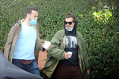 Harry Styles covers up with a mask, hoodie and shades - 2 July 2020