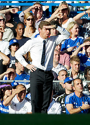 20.08.2011, Stamford Bridge, London, ENG, PL, Chelsea FC vs West Bromwich Albion FC, im Bild Chelsea's manager Andre Villas-Boas during the Premiership match against West Bromwich Albion at Stamford Bridge, EXPA Pictures © 2011, PhotoCredit: EXPA/ Propaganda/ D. Rawcliffe *** ATTENTION *** UK OUT!