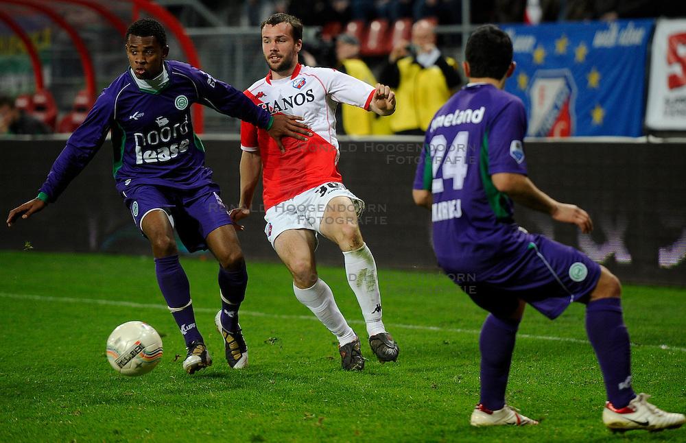 14-04-2010 VOETBAL: FC UTRECHT - FC GRONINGEN: UTRECHT<br /> Jacob Lensky en Leandro Bacuna<br /> ©2010-WWW.FOTOHOOGENDOORN.NL