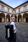 Milano,  Gabriele Geraldi, 72 anni, ex impiegato,BAREGGIO (Mi),.Studia fisarmonia con i corsi Cpsm (Corsi popolari serali di musica) che si.tengono al Conservatorio.. Milano,  Gabriele Geraldi, 72 anni, ex impiegato,BAREGGIO (Mi),.Studia fisarmonia con i corsi Cpsm (Corsi popolari serali di musica) che si.tengono al Conservatorio. Milan, Gabriele Geraldi, 72 years old, ex employee now accordion student at the school of music