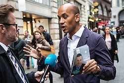 © Licensed to London News Pictures. 17/05/2019. London, UK. Change UK MP Chuka Umunna gives an interview while campaigning in central London with MEP candidates Gavin Esler and Martin Bell. Photo credit: Rob Pinney/LNP