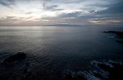 Zicht op la Gomera langs de kust van Puerto Santiago, Tenerife, Spanje - View on La Gomera along the coast of Puerto Santiago, Tenerife, Spain