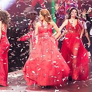 NLD/Amsterdam/20171223 - The Christmas Show 2017 in de Ziggo Dome, Yolanthe Sneijder-Cabau, Holly Brood, Glennis Grace