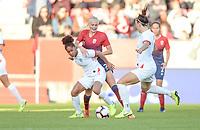 Fotball , 3. september 2019 , Norge - England , kvinner , dammer<br /> Norway - England , Woman, <br /> Karina Sævik , Norge<br /> Demi Stokes , England