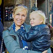 NLD/Amsterdam/20101003 - Premiere De Verschrikkelijke Ikke en de rest kan stikken, Tanja Jess en zoontje Bobby