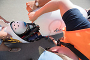 De kap van de VeloX 7 met Aniek Rooderkerken wordt dichtgemaakt. In Battle Mountain, Nevada, oefent het team op een weggetje. Het Human Power Team Delft en Amsterdam, dat bestaat uit studenten van de TU Delft en de VU Amsterdam, is in Amerika om tijdens de World Human Powered Speed Challenge in Nevada een poging te doen het wereldrecord snelfietsen voor vrouwen te verbreken met de VeloX 7, een gestroomlijnde ligfiets. Het record is met 121,44 km/h sinds 2009 in handen van de Francaise Barbara Buatois. De Canadees Todd Reichert is de snelste man met 144,17 km/h sinds 2016.<br /> <br /> With the VeloX 7, a special recumbent bike, the Human Power Team Delft and Amsterdam, consisting of students of the TU Delft and the VU Amsterdam, wants to set a new woman's world record cycling in September at the World Human Powered Speed Challenge in Nevada. The current speed record is 121,44 km/h, set in 2009 by Barbara Buatois. The fastest man is Todd Reichert with 144,17 km/h.