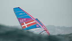 31.07.2012, Bucht von Weymouth, GBR, Olympia 2012, Windsurfen, im Bild RS:X Men, Fleischer Sebastian (DEN) . EXPA Pictures © 2012, PhotoCredit: EXPA/ Juerg Kaufmann ***** ATTENTION for AUT, CRO, GER, FIN, NOR, NED, POL, SLO and SWE ONLY!