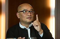 """19 JUN 2012, BERLIN/GERMANY:<br /> Maung Thura """"Zarganar"""",  Comedian, Komoediant, Film- und Fernsehschauspieler, Filmregisseur burmesischer Sprache und  Kritiker des Militaerregimes in Burma/Myanmar, waehrend einem Pressegespraech, Hotel Melia<br /> IMAGE: 20120619-01-033<br /> KEYWORDS Regimekritiker"""