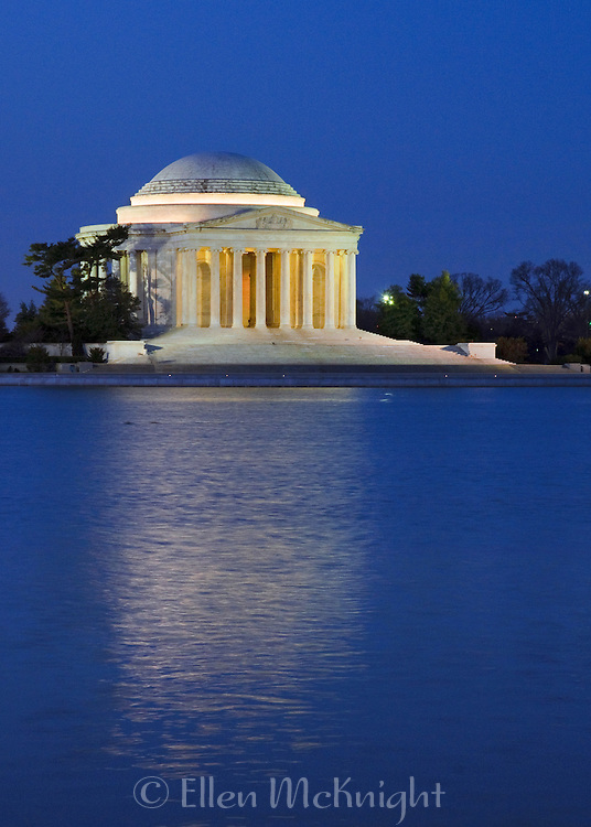 Jefferson Memorial in Washington DC before sunrise