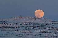 Moonraising near the east beacon