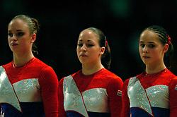 30-04-2004 TURNEN: EUROPEES KAMPIOENSCHAP DAMES: AMSTERDAM<br /> Suzanne Harmes, Evi Neijssen en Loes Linders<br /> ©2004-www.fotohoogendoorn.nl