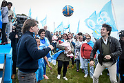 20191020/ Javier Calvelo - adhocFOTOS/ URUGUAY/ MONTEVIDEO/ El movimiento encabezado por Juan Sartori con la lista 880 realizó un acto de cierre de campaña a los pies de la fortaleza del Cerro de Montevideo en la que participó la fórmula presidencial del Partido Nacional, formada por Luis Lacalle Pou y Beatriz A., y en la que también participaron otros dirigentes del sector. <br /> En la foto: Luis Lacalle Pou y Juan Sartori durante el acto de cierre de campaña del Sartorismo, en la fortaleza del Cerro en Montevideo. Foto: Javier Calvelo / adhocFOTOS