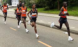 15-10-2006 ATLETIEK: MARATHON AMSTERDAM: AMSTERDAM<br /> Bernard Barmasai (KEN) wordt 2de<br /> ©2006: WWW.FOTOHOOGENDOORN.NL