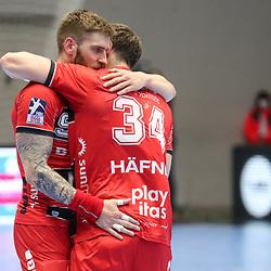 Handball, 31. Spieltag: MT Melsungen vs Die Eulen Ludwigshafen am 27.05.2021 in der Rothenbach-Halle in Kassel<br /> <br /> <br /> Domagoj Pavlovic (Melsungen 94) und Kai Häfner / Haefner / Hafner (Melsungen 34) freuen sich über den Sieg beim Spiel in der Handball Bundesliga, MT Melsungen - Die Eulen Ludwigshafen.<br /> <br /> Foto © PIX-Sportfotos *** Foto ist honorarpflichtig! *** Auf Anfrage in hoeherer Qualitaet/Aufloesung. Belegexemplar erbeten. Veroeffentlichung ausschliesslich fuer journalistisch-publizistische Zwecke. For editorial use only.