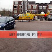 Ongeval met beknelling Huizermaatweg Huizen, traumaheli, afzetlint
