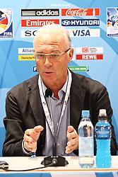 25.07.2010,  Augsburg, GER, FIFA U20 Womens Worldcup, , Viertelfinale, USA vs Nigeria,  im Bild  Franz Beckenbauer bei der Halbzeit Pressekonferenz, EXPA Pictures © 2010, PhotoCredit: EXPA/ nph/ . Straubmeier+++++ ATTENTION - OUT OF GER +++++ / SPORTIDA PHOTO AGENCY