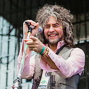 Wayne Coyne, Flaming Lips live in concert at Nelsonvillle Music Festival 2015, photo by Cleveland music photographer Mara Robinson
