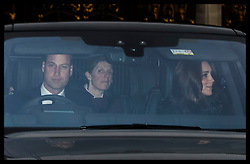 December 20, 2017 - London, London, United Kingdom - Image licensed to i-Images Picture Agency. 20/12/2017. London, United Kingdom. The Duke and Duchess of Cambridge  arriving for The Queen's Christmas lunch at Buckingham Palace in London with their children  and the couple's nanny  in the back seat. (Credit Image: © Stephen Lock/i-Images via ZUMA Press)