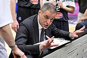 DESCRIZIONE : Beko Legabasket Serie A 2015- 2016 Dinamo Banco di Sardegna Sassari - Pasta Reggia Juve Caserta<br /> GIOCATORE : Sandro Dell'Agnello<br /> CATEGORIA : Allenatore Coach Time Out Ritratto Mani<br /> SQUADRA : Pasta Reggia Juve Caserta<br /> EVENTO : Beko Legabasket Serie A 2015-2016<br /> GARA : Dinamo Banco di Sardegna Sassari - Pasta Reggia Juve Caserta<br /> DATA : 03/04/2016<br /> SPORT : Pallacanestro <br /> AUTORE : Agenzia Ciamillo-Castoria/C.Atzori