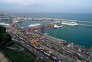 Spanje, Barcelona, 5-6-2005..Zicht op de haven, containers, Ferry, ferryboot, Ferryschip, cruiseschip, cruise in de middelandse zee. Grimalde Lines. toerisme, economie, vakantie, stedentrip, stadsgezicht...Foto: Flip Franssen