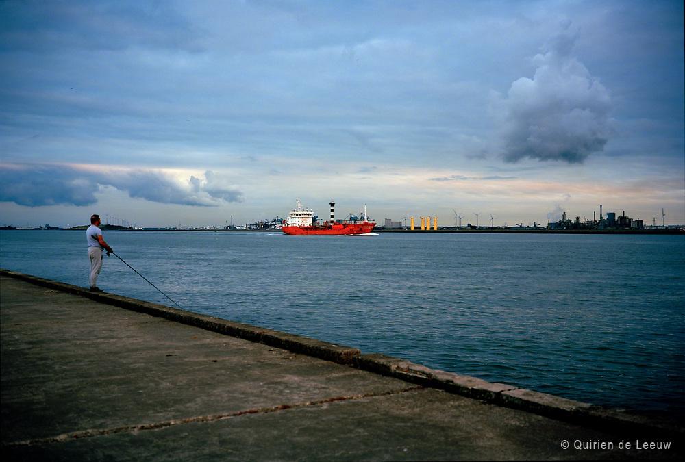 Visser op de Pier, Hoek van Holland