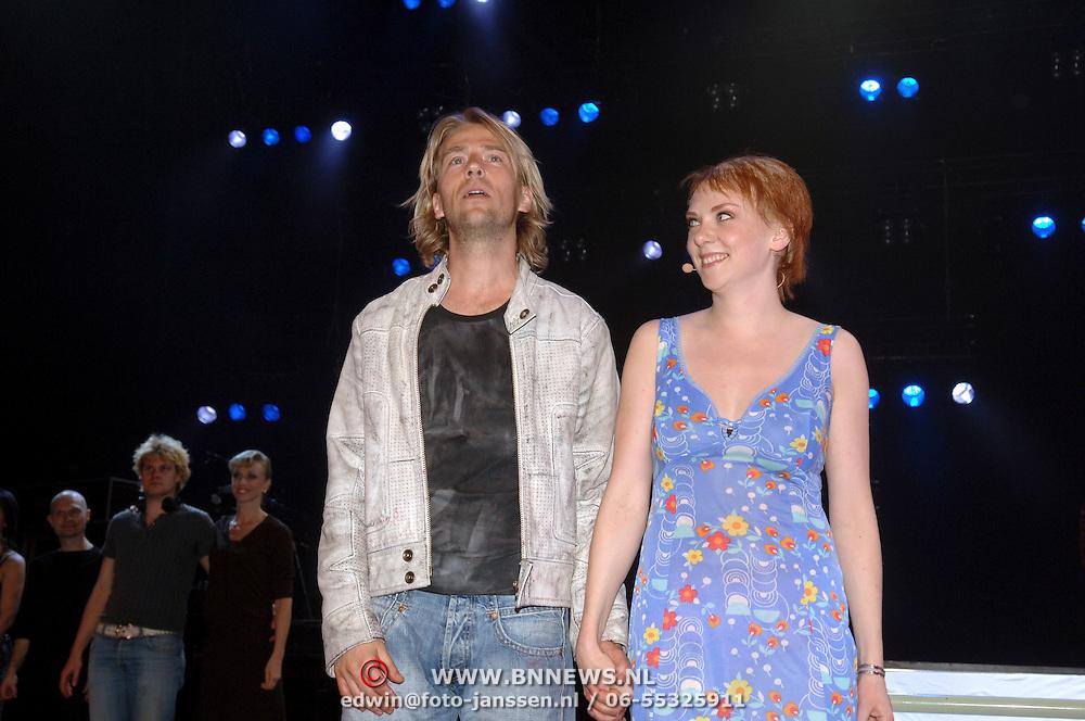 NLD/Amsterdam/20060503 - Herpremiere musical Turks Fruit Amsterdam, Anthonie Kamerling en Jelka van Houten