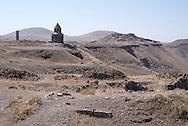 Église Saint-Grégoire d'Abougraments. Ani (en arménien Անի) est située dans la province turque de Kars, juste au sud de la frontière arménienne. Elle se trouve près de la ville d'Ocaklı et de l'Akhourian, un affluent de l'Araxe, qui forme la frontière entre l'Arménie et la Turquie. Aujourd'hui en ruine, la ville fut la capitale de l'Arménie vers l'an mille, et elle est d'ailleurs surnommée « Capitale de l'an mille » et la « ville aux mille et une églises ». Turquie, 2014