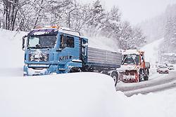 THEMENBILD - Schneeräumung der Gemeindefahrzeuge, aufgenommen am 09. Jaenner 2019 in Saalbach, Oesterreich // Snow clearing of community vehicles, Saalbach, Austria on 2019/01/09. EXPA Pictures © 2019, PhotoCredit: EXPA/ JFK