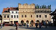 Kazimierz Dolny, 2007-05-02. Zabytkowe kamieniczki na rynku.