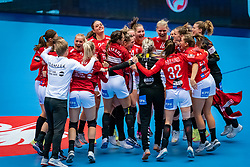 Team Denmark with Mia Rej Bidstrup of Denmark, Mie Enggrob Hojlund of Denmark, Kathrine Heindahl of Denmark, Trine Ostergaard Jensen of Denmark celebrate during the Women's EHF Euro 2020 match between Denmark and Sweden at Jyske Bank BOXEN on december 11, 2020 in Kolding, Denmark (Photo by RHF Agency/Ronald Hoogendoorn)