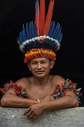 Wai Wai headdress<br /> Wai Wai territory, region 9<br /> Gunns<br /> Konashen<br /> GUYANA<br /> South America<br /> Macaw feathers<br /> Bemner Suse