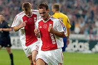 Fotball<br /> Nederland<br /> Foto: ProShots/Digitalsport<br /> NORWAY ONLY<br /> <br /> Brøndby IF - Ajax , 10-08-2005 , UEFA Champions League Qualification , Wesley Sneijder viert de 3-1