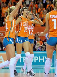 18-09-2011 VOLLEYBAL: DELA TROPHY NEDERLAND - TURKIJE: ALMERE<br /> Nederland wint met 3-0 van Turkije en wint hierdoor de DELA Trophy / (L-R) Laura Dijkema, Ingrid Visser, Captain Manon Flier<br /> ©2011-FotoHoogendoorn.nl