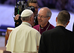 October 5, 2016 - Vatican City, Vatican - Pope Francis and Justin Welby during Conference Sport at service of humanity, at the Vatican on october 05, 2016  The goal of the conference is to create a forum where leaders from different religious faiths, sports, business, academia and media can discuss how faith and sport can work together to better serve humanity. (Credit Image: © Silvia Lore/NurPhoto via ZUMA Press)