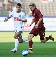 Fotball<br /> UEFA Cup<br /> 14.09.2006<br /> Hertha Berlin v Odense<br /> Foto: imago/Digitalsport<br /> NORWAY ONLY<br /> <br /> Tobias Grahn (Odense, re.) gegen Malik Fathi (Hertha)