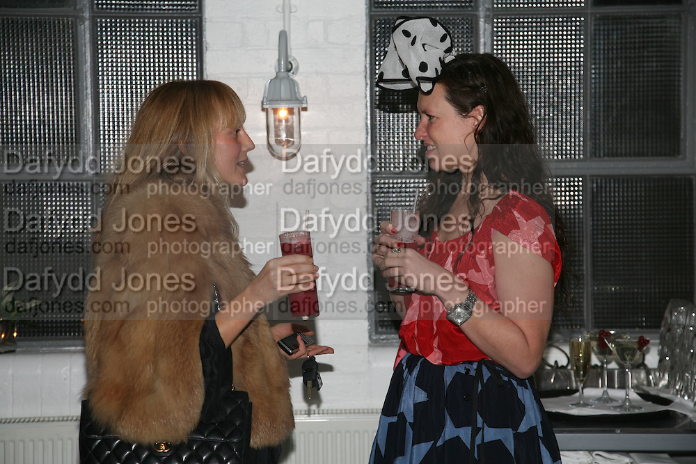HANNAH MCGIBBON AND KATIE GRAND, Gap/ Red launch Dinner hosted by  Katie Grand at Bistrotheque. Bethnal Green. London. 29 November 2007.  -DO NOT ARCHIVE-© Copyright Photograph by Dafydd Jones. 248 Clapham Rd. London SW9 0PZ. Tel 0207 820 0771. www.dafjones.com.