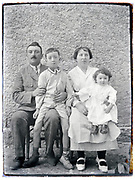 family parents with two children France early 1900s